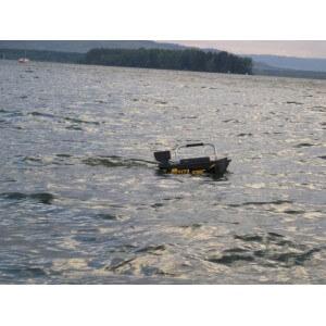 Obrázok 9 k SET = zavážacia loďka a bezdrôtový sonar do 300m